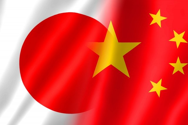 尖閣諸島に侵入した中国海警局の巡視船と連動して、台湾付近に中国軍のミサイル艇が展開