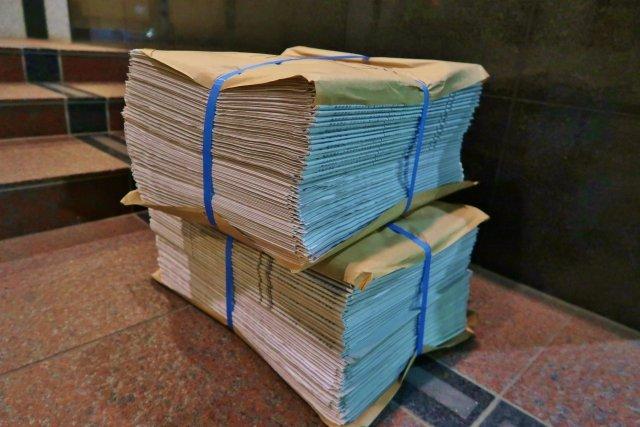 創業以来最大の441億円赤字の朝日新聞、アマゾンで「ペットの便所紙」として大量出品される